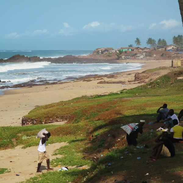 The Colonial Politics of Meteorology: Two Spanish Sisters in the Gulf of Guinea
