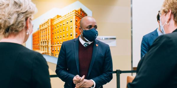 Mayor Quinton Lucas visits Saint Luke's Health System to discuss vaccine distribution in February 2021.